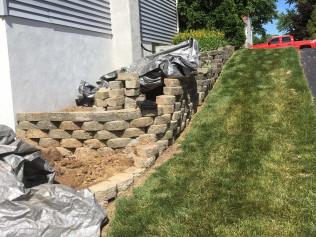 Before Picture of Retaining Wall Incorrectly Installed