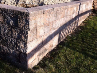 Porous Concrete Retaining Wall